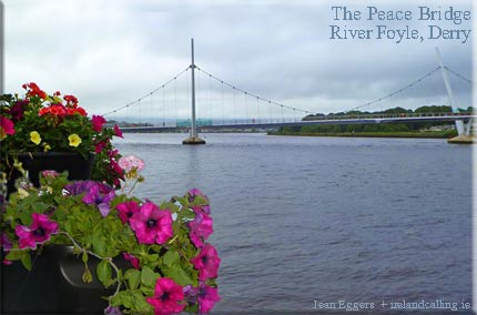 Peace Bridge uniting two parts of Derry / Londonderry
